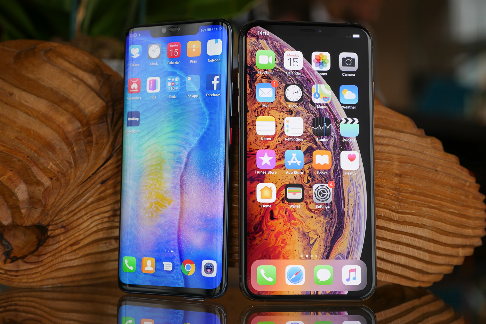 Compare: Huawei Mate 20 Pro Vs Apple iPhone XS Max
