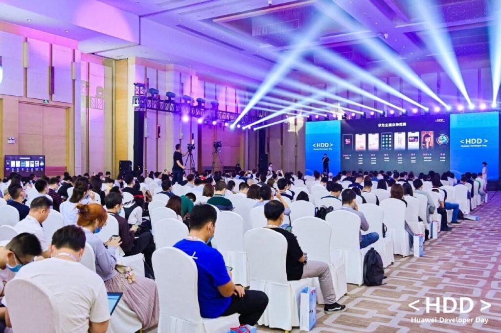 Mais de 600 milhões de utilizadores em todo o mundo usam Temas Huawei de mais de 6000 criadores 3