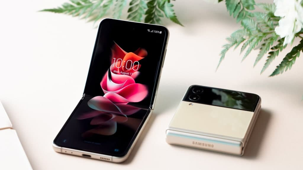Galaxy Z Flip 3 image